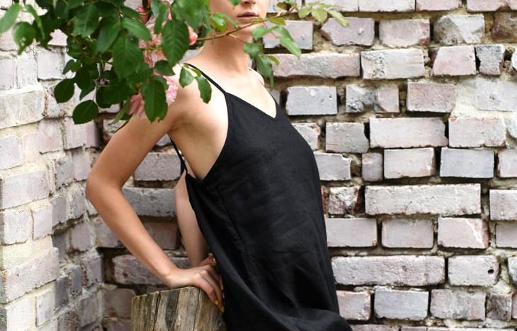 lniana sukienka na ramiączkach