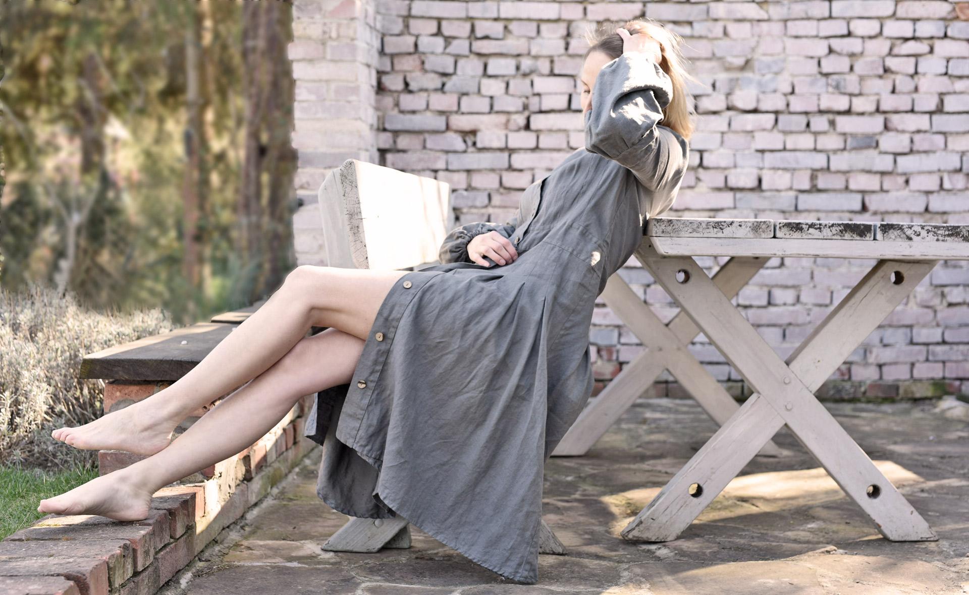 lniana sukienka długa na guziki