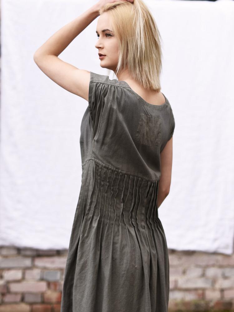 lniana plisowana sukienka