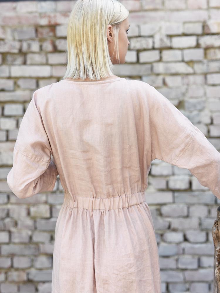 lniana długa sukienka z falbana