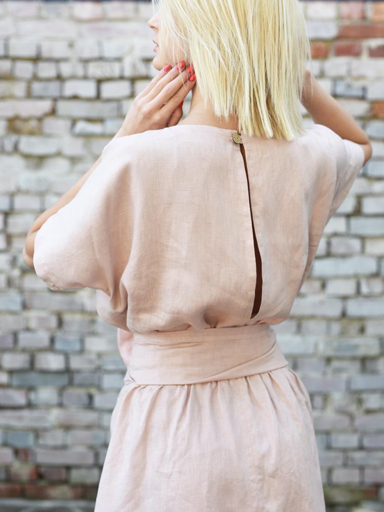 różowa sukienka z lnu