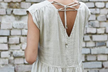 lniana sukienka z wiązaniami