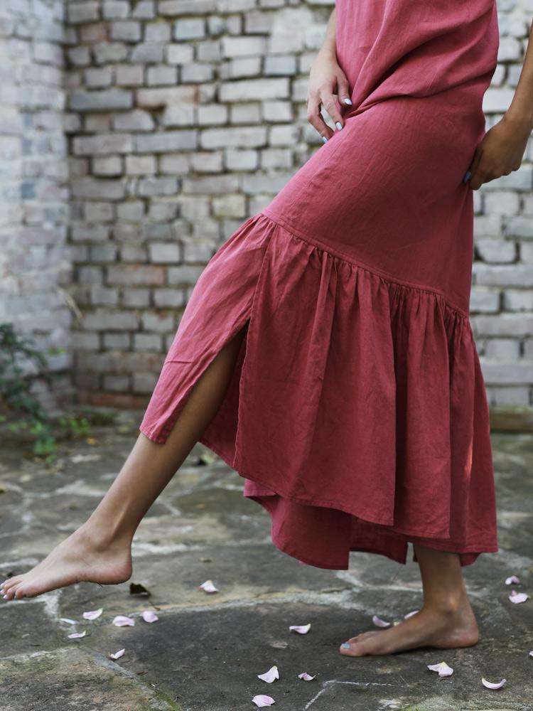 długa lniana sukienka na ramiączkach
