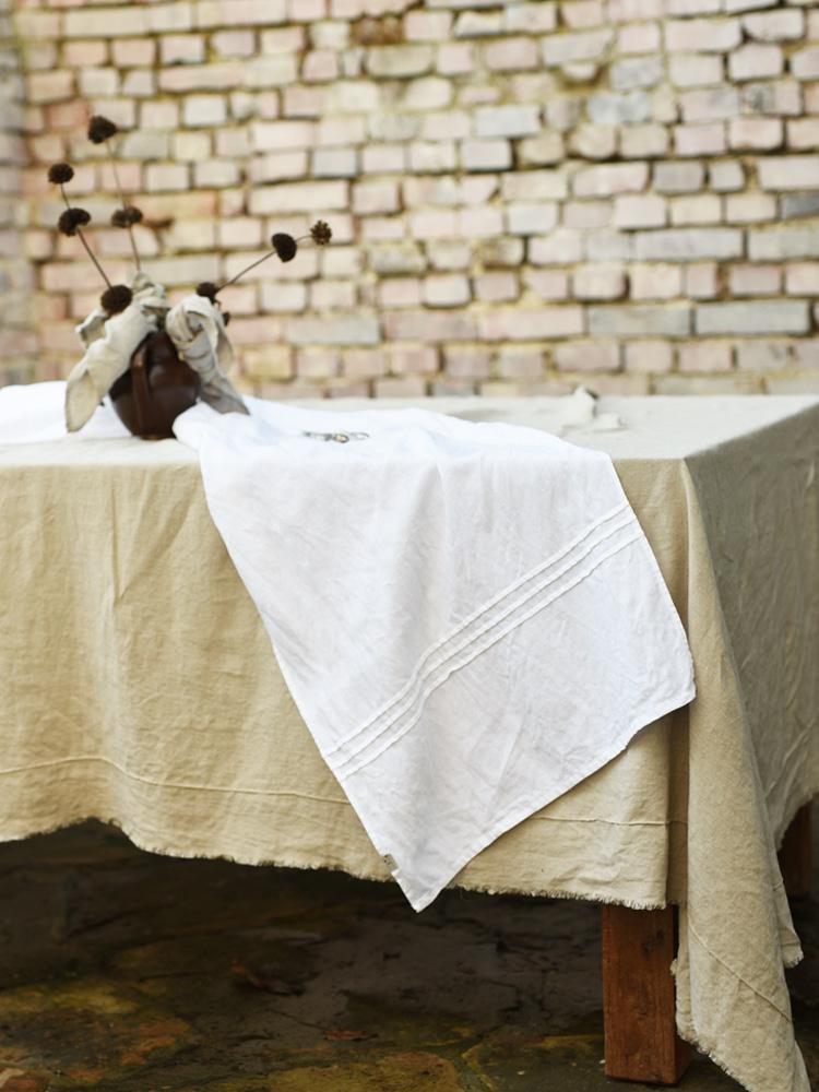 lniany naturalny obrus na stół