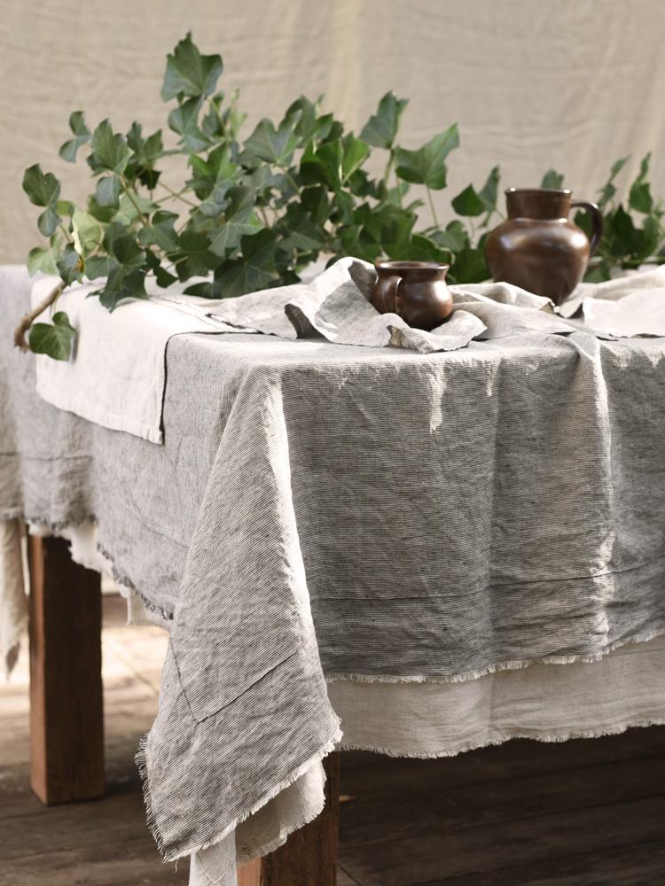 obrus z lnu na stół