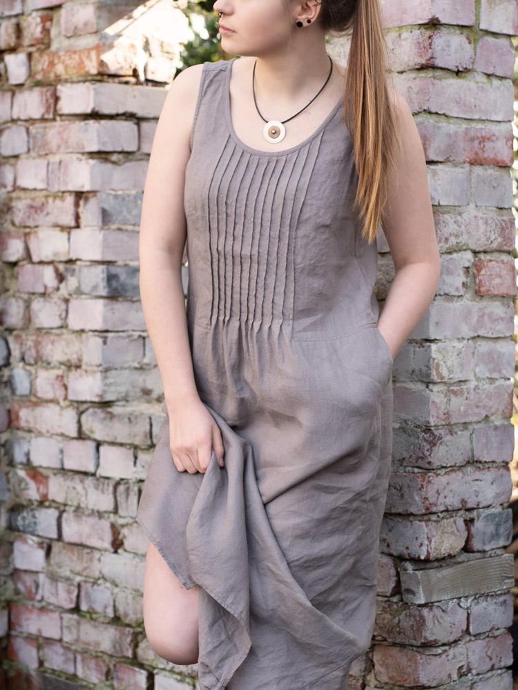 długa lniana sukienka z przeszyciem