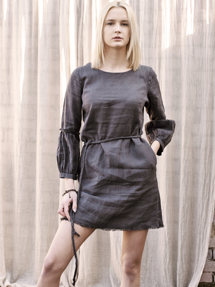 lniana sukienka z paskiem